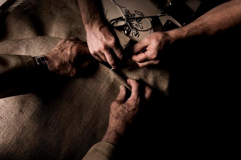 Testata letto matrimoniale imbottita: lavorazione artigianale letti BertO