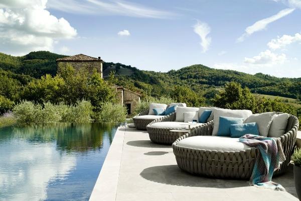Arredi bordo piscina Tosca
