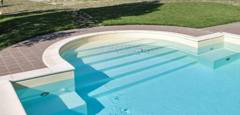 Idromassaggi piscina di Castiglione