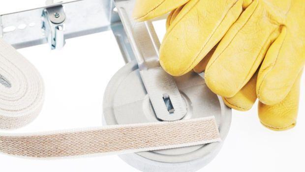Come aggiustare una tapparella rotta?