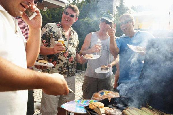 Griglia barbecue e convivialità