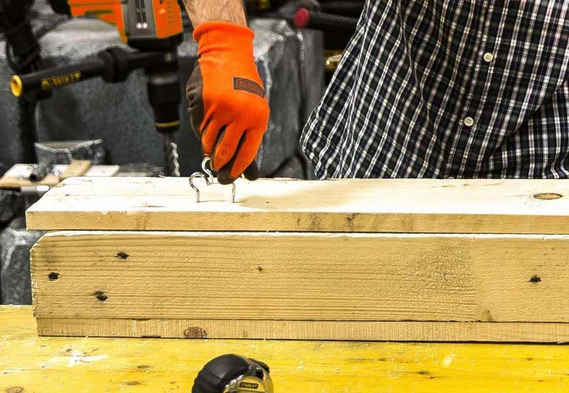 Working with easy-to-use BLACK + DECKER tools