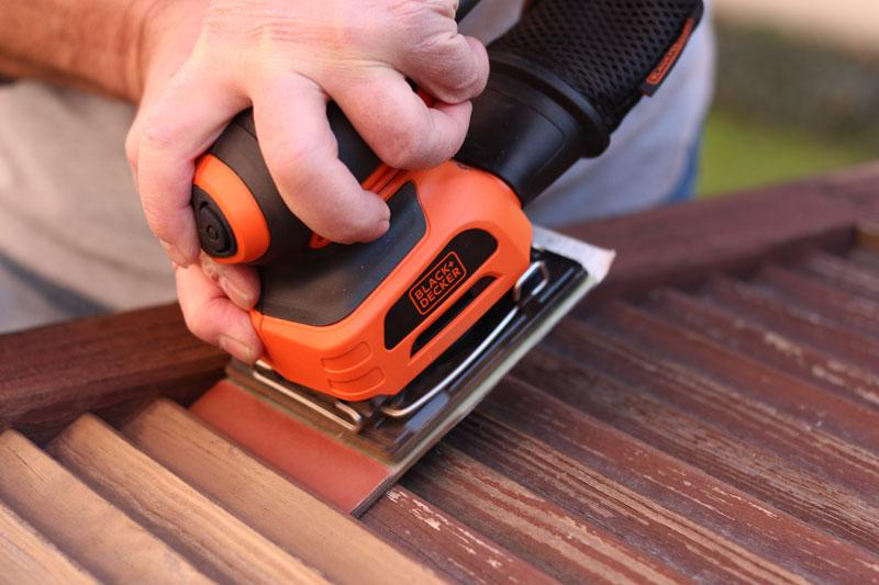 Wood sanding machines: BLACK + DECKER model for sanding wood
