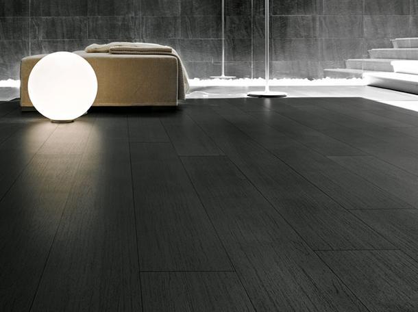 Pavimento rivestito con cotto d'este gres effetto legno