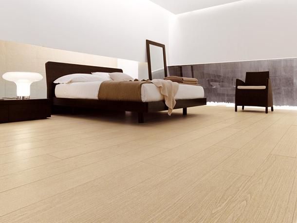 Pavimenti rivestiti con cotto d'este serie Kerlite effetto legno