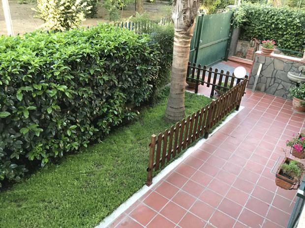 Costruire una staccionata - Recinti in legno da giardino ...