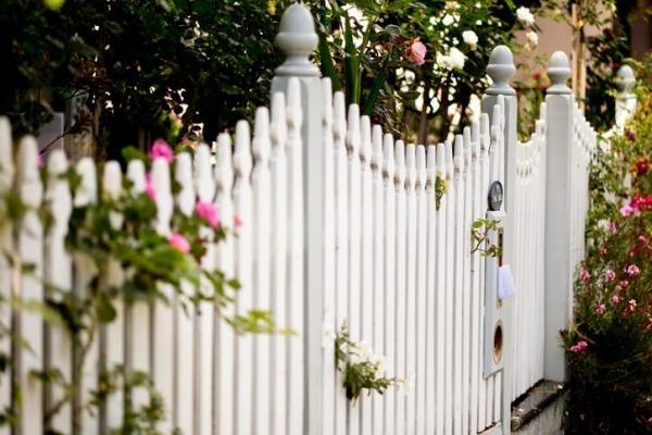 Steccato Giardino Plastica : Costruire una staccionata