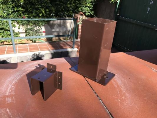 Supporti in acciaio per steccato