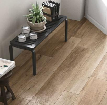 Sembra un parquet il pavimento in gres effetto legno di Cotto D'Este