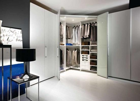 Esempi di cabine armadio, by  Arredi e Mobili