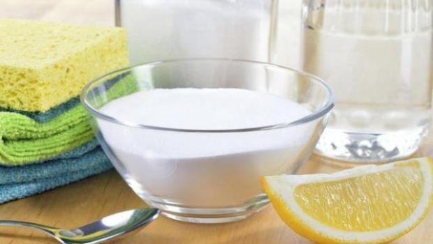 Prodotti e metodi naturali per eliminare il calcare dal wc