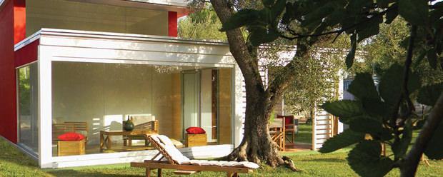 Micro casa prefabbricata moderna in legno modello Egeo di Sprech