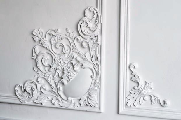 Particolare intonaco a stucco decorato