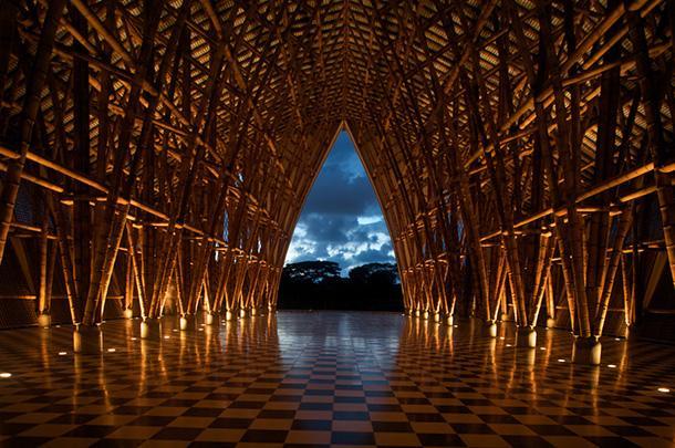 Iglesia sin Religion: architettura in bamboo
