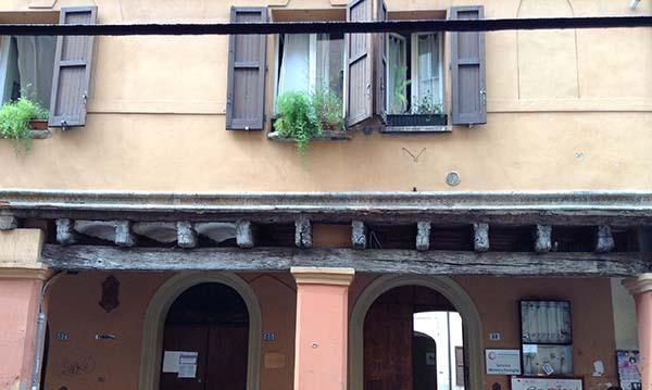 In un restauro è fondamentale preservare l'autenticità dell'edificio.