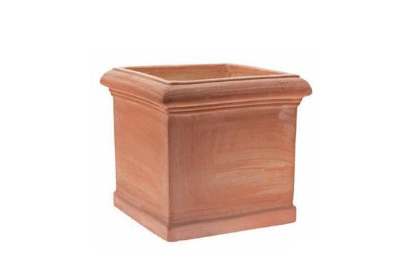 Vaso a cubo toscano in terracotta di InFabbrica