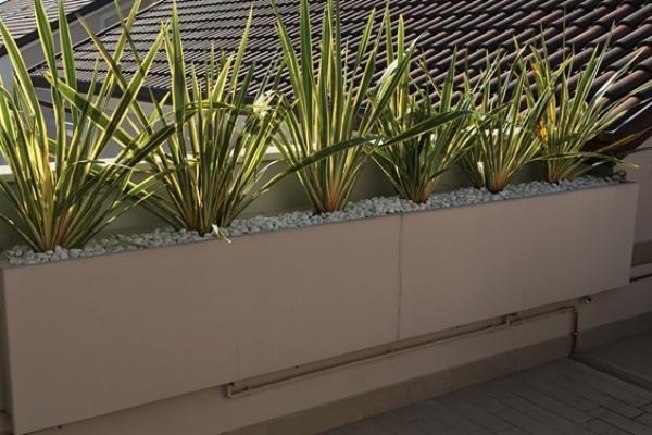 Vaso da esterno a forma rettangolare by Martin Design