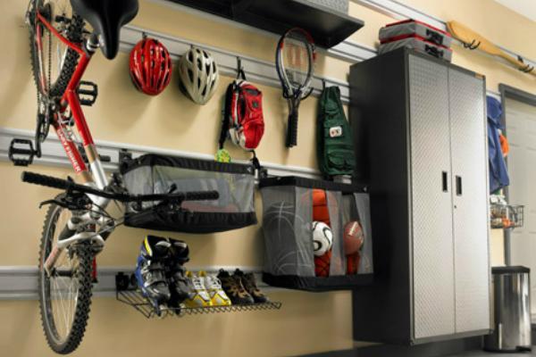Sistemazione del garage for Arredamento per garage