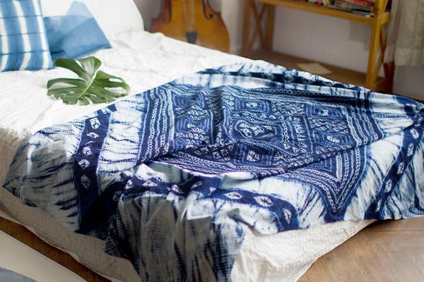 Copriletto tie and dye di BuRuHome