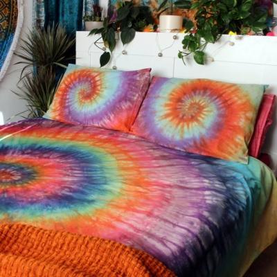 Copripiumino e cuscini  tie-dye di DrowForToffee