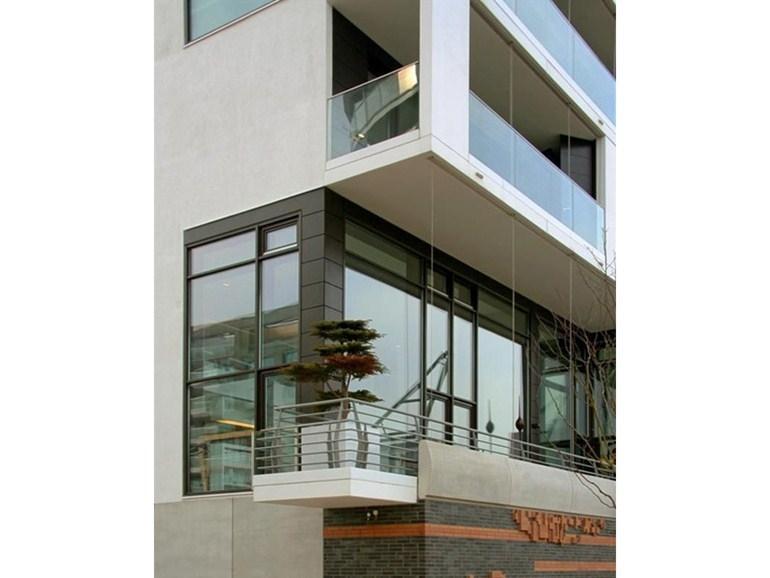 Suncool by Pilkington: ampie vetrate per balconata ad angolo