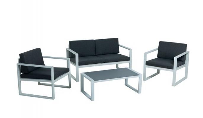 Tavolo con sedute da giardino, modello Square di Leroy Merlin
