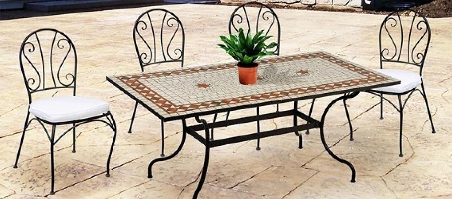Tavolo da giardino consigli per la scelta - Tavolo ferro battuto e vetro ...