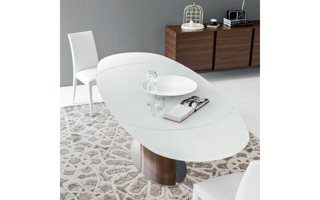 Tavoli da pranzo ovali for Tavolo ovale bianco design