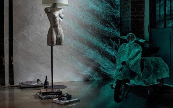 Finitura Aurora Boreale di Giorgio Graesan and Friends, visibile soltanto al buio.