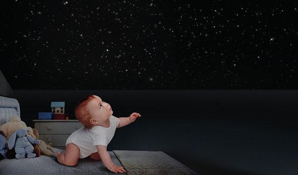 Finitura Crea il Tuo Universo di Giorgio Graesan and Friends, visibile solo al buio.
