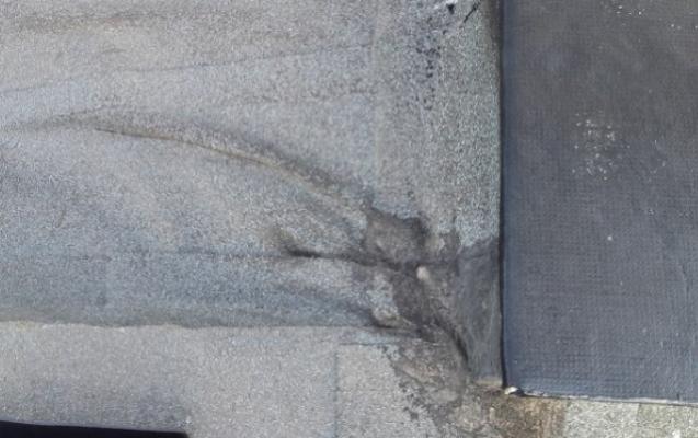 Manutenzione dei manti impermeabili: difetto di posa
