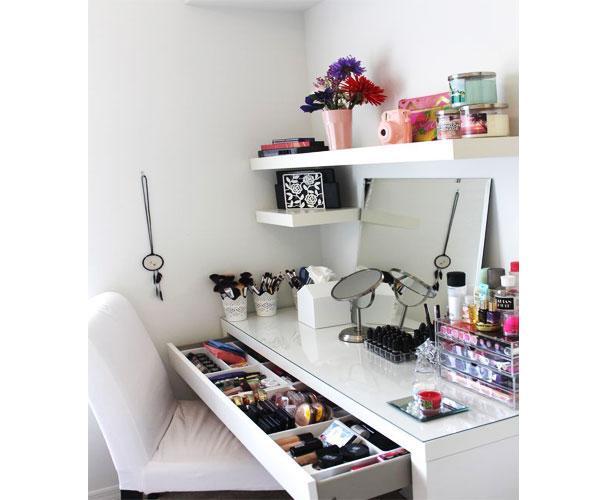 Organizzare un mobile trucco in casa - Mobile da scrivania ...