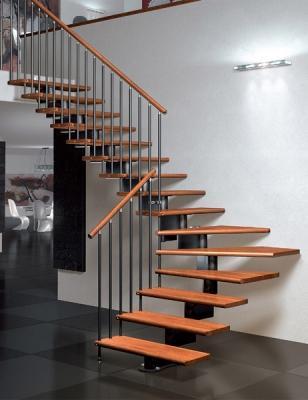 Variante scala in legno e allumino Nika CZ di Mobirolo
