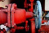 Dispositivi di erogazione dell'acqua in un pozzo.