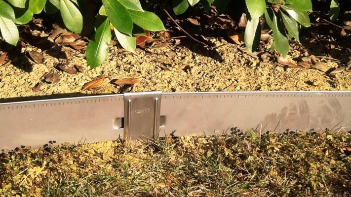 Picchetti metallici per bordure vialetti Mat Linea Garden
