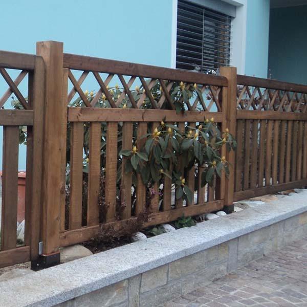 Recinzione in legno per il giardino for Recinzione legno