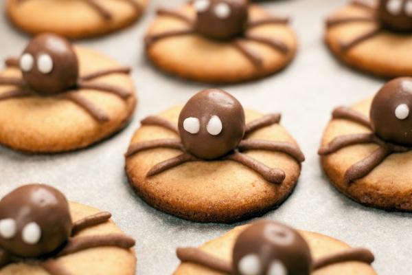 Biscotti ragno dolci per il menù di Halloween