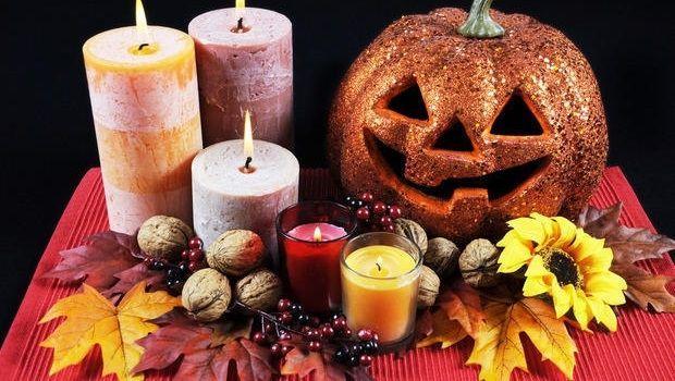 Decorare le zucche come centrotavola di Halloween
