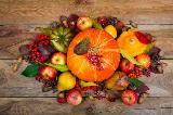 Centrotavola con decorazione di frutti