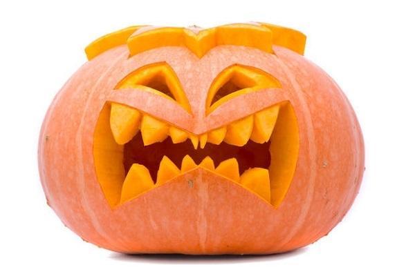 Zucca di Halloween scolpita