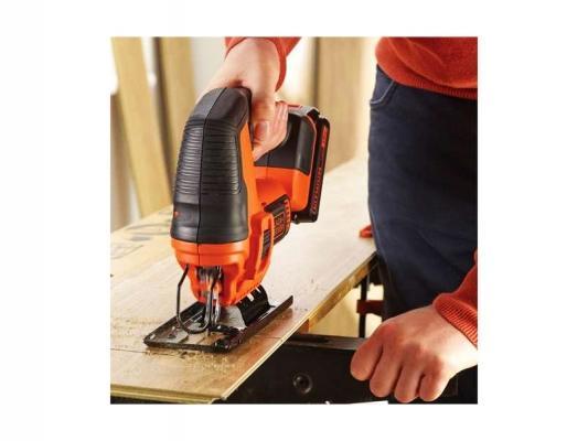 Seghetto elettrico per legno BLACK+DECKER