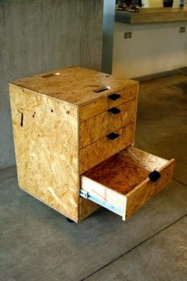 Mobiletto in legno Osb di Cositas Decorativas