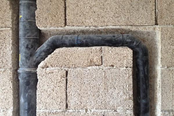 Fibre vegetali e costruzioni innovative: facilità di lavorazione inserimento impianti rif. Equilibrium
