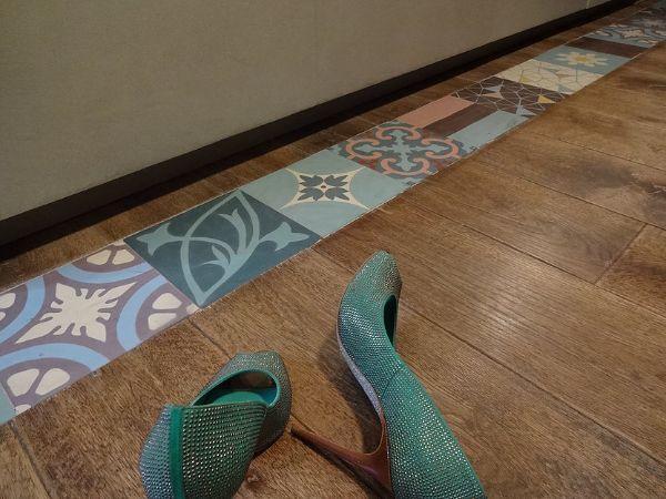 Pavimento in parquet con inserto cementine di Cril-la.it