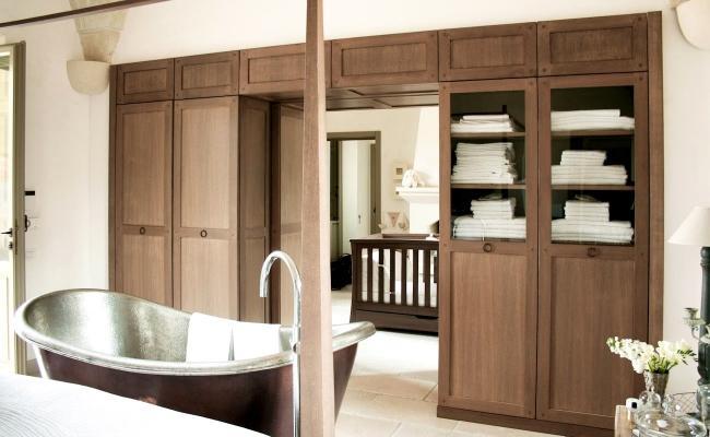 Woodesign arredo disimpegno tra camera e bagno