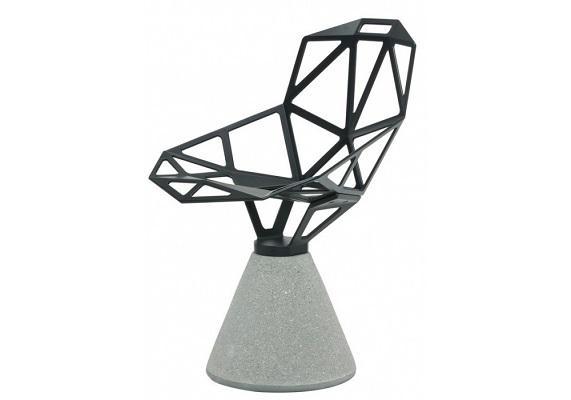 Sedia monoscocca One Chair con base in cemento