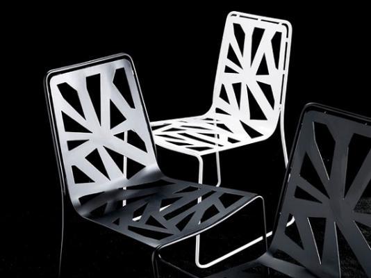 Sedia monoscocca Domino di Esedra Collection