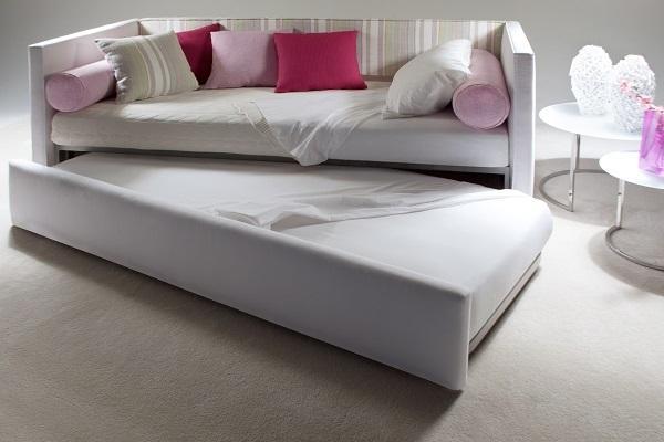 Tipologie di letti divano letto salvaspazio Summer E di BertO aperto