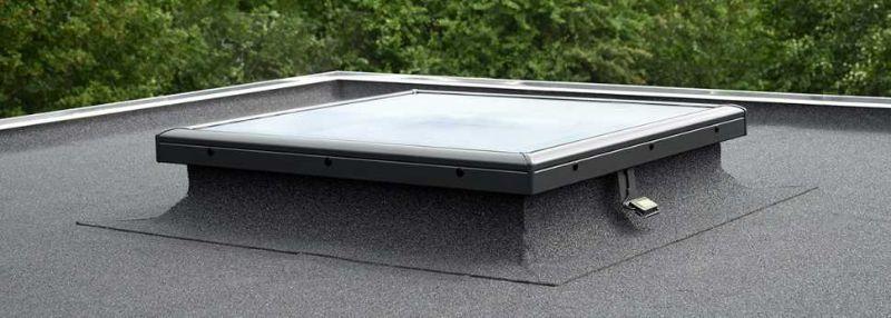 Finestra per tetti piani con vetro piano di VELUX