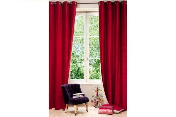 Tenda per interni in velluto rosso di Maisons Du Monde